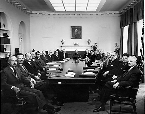 Cabinet-room-1957